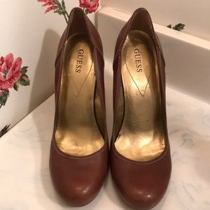 """Guess Woman's Brown Pump Size 10M Heel Height 4.5"""""""
